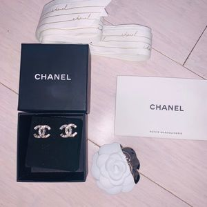 Chanel Crystal studded earrings